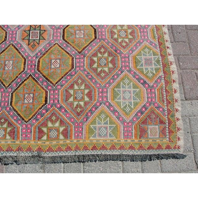 """Pink Vintage Turkish Kilim Rug - 5'8"""" X 8'3"""" For Sale - Image 8 of 11"""