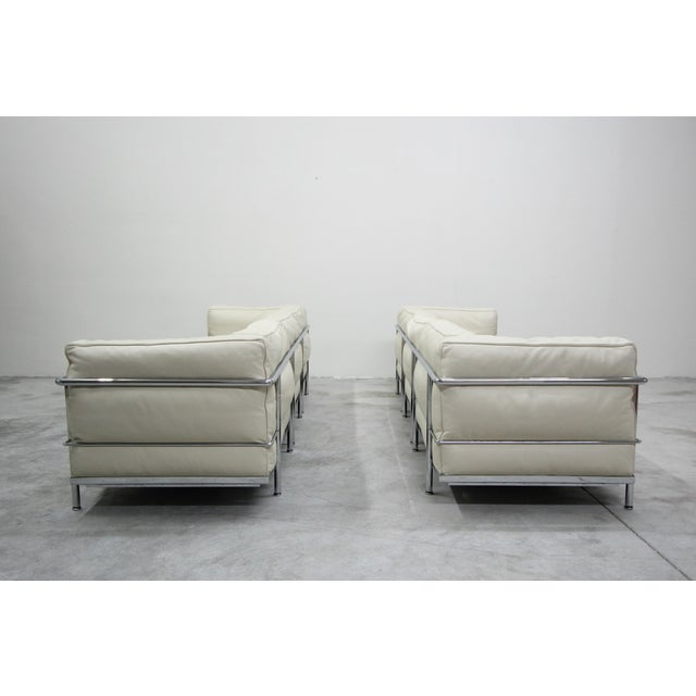Cassina Authentic Pair of Lc3 Cassina Grand Modele 3 Seat Sofas by Le Corbusier For Sale - Image 4 of 13