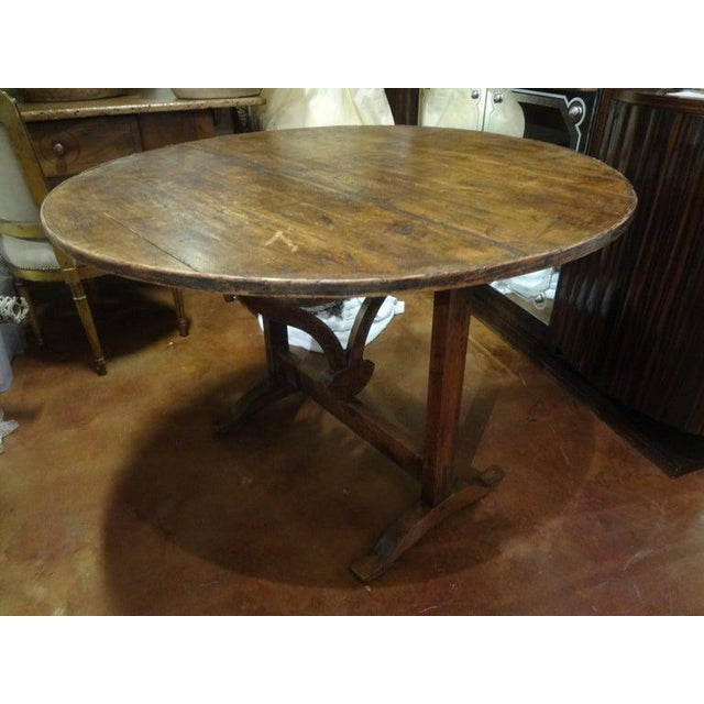 Brown 19th Century French Walnut Wine Tasting Table From Burgundy For Sale - Image 8 of 13