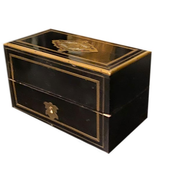 Perfume Box With Three Gilt Painted Perfume Bottles - 4 Pieces For Sale In Dallas - Image 6 of 10
