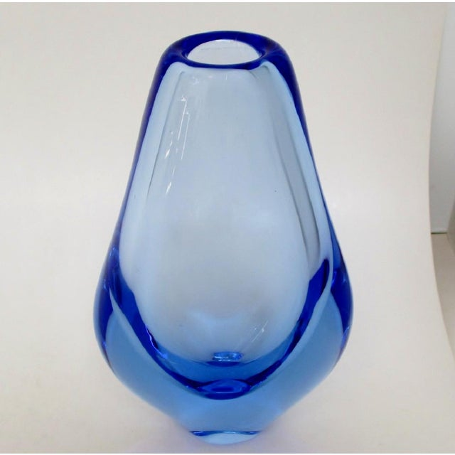 Mid-Century Modern Blue Blown Glass Vase For Sale - Image 3 of 7
