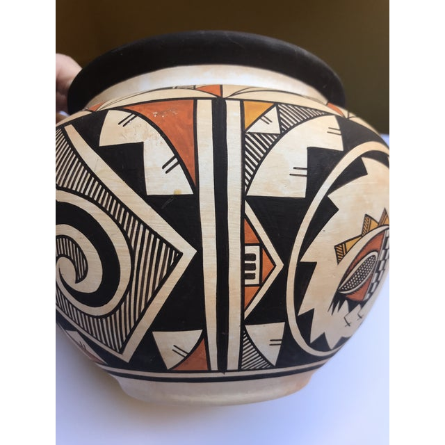"Acoma Pueblo Pottery, Westly Bagaye ""Quail"" For Sale - Image 10 of 11"