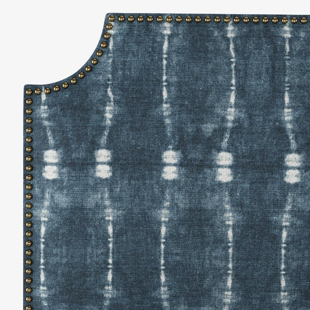 California King Notched Nail Button Bed in Bali Indigo For Sale - Image 4 of 7