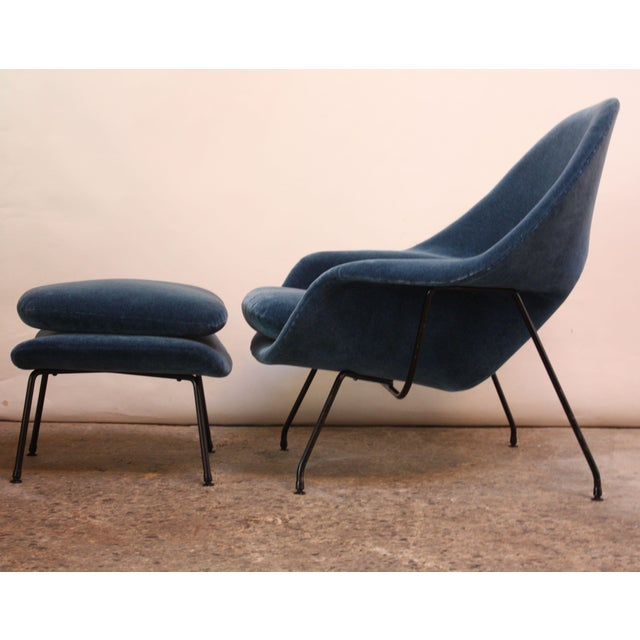 1950s Early Production Eero Saarinen for Knoll Womb Chair and Ottoman - a Pair For Sale In New York - Image 6 of 13