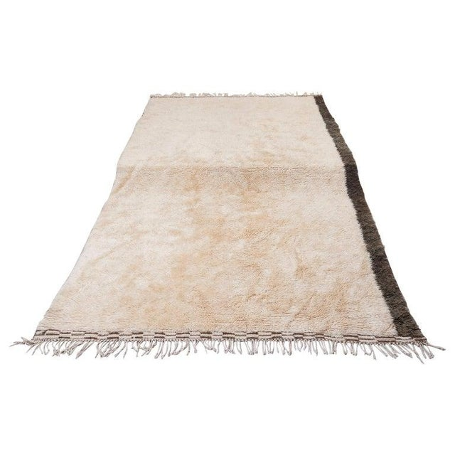 1950s Beni Ourain Carpet From the Atlas Mountains of Morocco, 1950s For Sale - Image 5 of 5