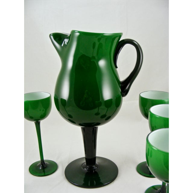 1950s Carlo Moretti Mid Century Green and White Cased Pedestal Pitcher and 5 Wine Glasses For Sale - Image 5 of 9