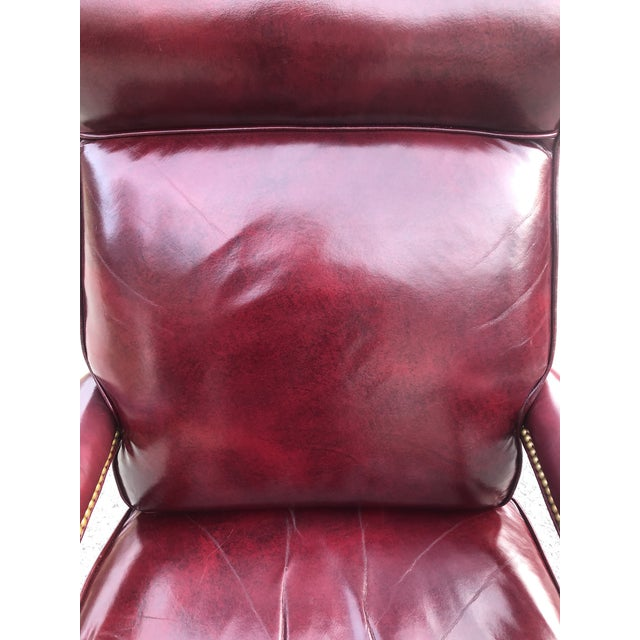 1990s Vintage Cabot Wrenn Executive Style Leather Swivel Chair For Sale - Image 11 of 13