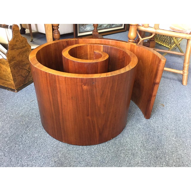 Vladimir Kagan 1960s Mid-Century Modern Vladimir Kagan Walnut Snail Coffee Table Base For Sale - Image 4 of 5