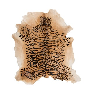 "Aydin Natural Cowhide Rug | Made in Italy | 8'0"" X 9'0"" For Sale"