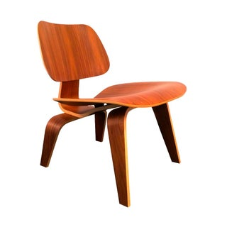 Herman Miller Eames LCW Chair in Walnut
