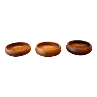 Vintage Hand Turned Wood Bowls - Set of 3 For Sale
