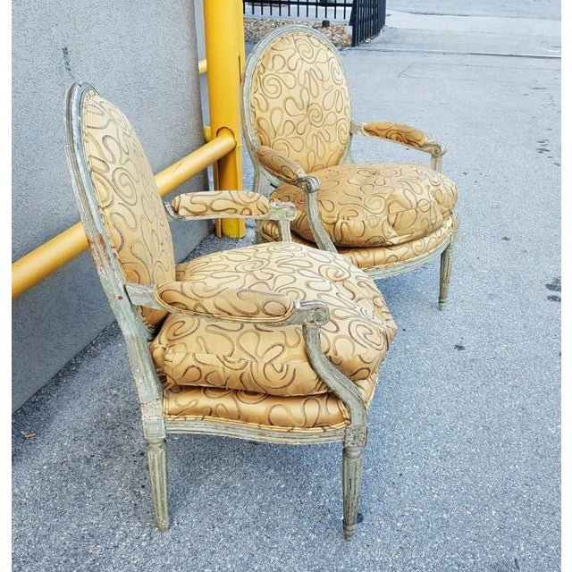 French Mid 18th Century Antique French Louis XVI Medallion Chairs - A Pair For Sale - Image 3 of 13