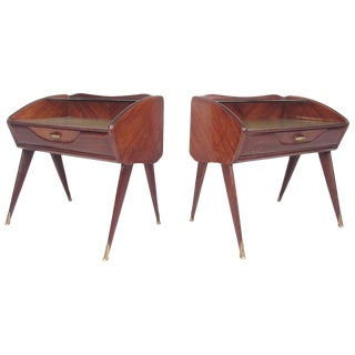 Pair of Mid-Century Modern Italian Nightstands in the Style of Paolo Buffa For Sale