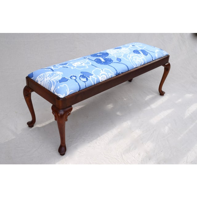 Queen Anne Bench by Century For Sale In Philadelphia - Image 6 of 11