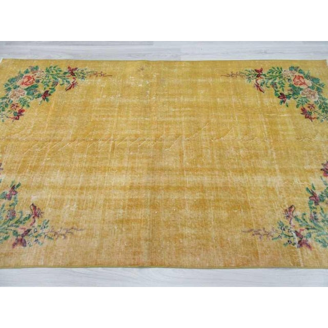 Vintage Floral Design Yellow Deco Rug - 4′10″ × 8′3″ For Sale - Image 4 of 6
