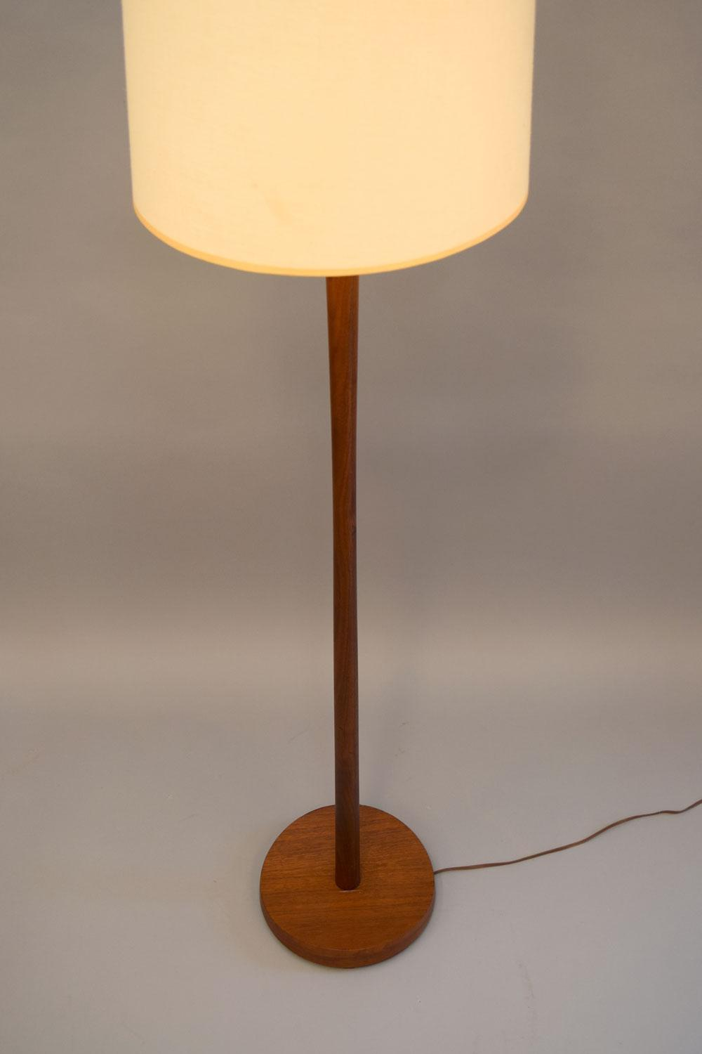 Laurel Lamp Co. Teak Floor Lamp   Image 4 Of 10