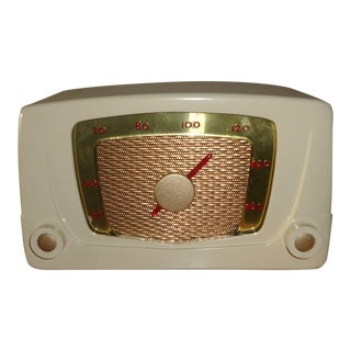 1950s Vintage Mid-Century Silvertone Radio For Sale