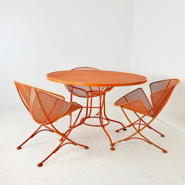 """Mid-Century Modern Set of Three Mid-Century Salterini """"Orange Slice"""" Chairs & Table Orange Metal Patio Set For Sale - Image 3 of 9"""