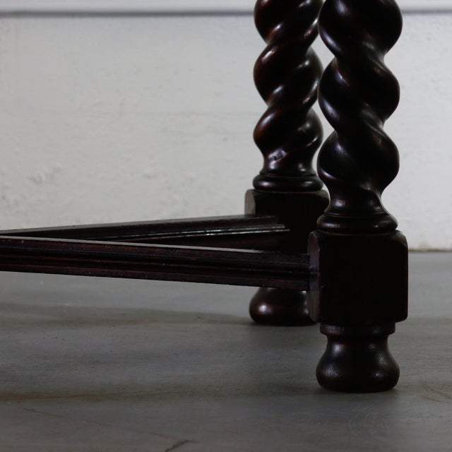 19th Century Spanish Oval Turned Leg Table For Sale - Image 4 of 5