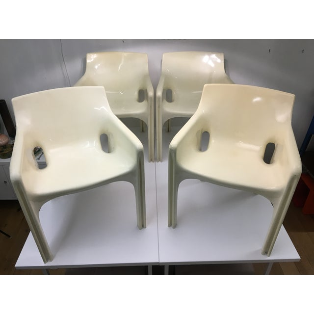 Mid-Century Modern Gaudi Chairs by Vico Magistretti for Artemide - Set of 4 For Sale - Image 13 of 13