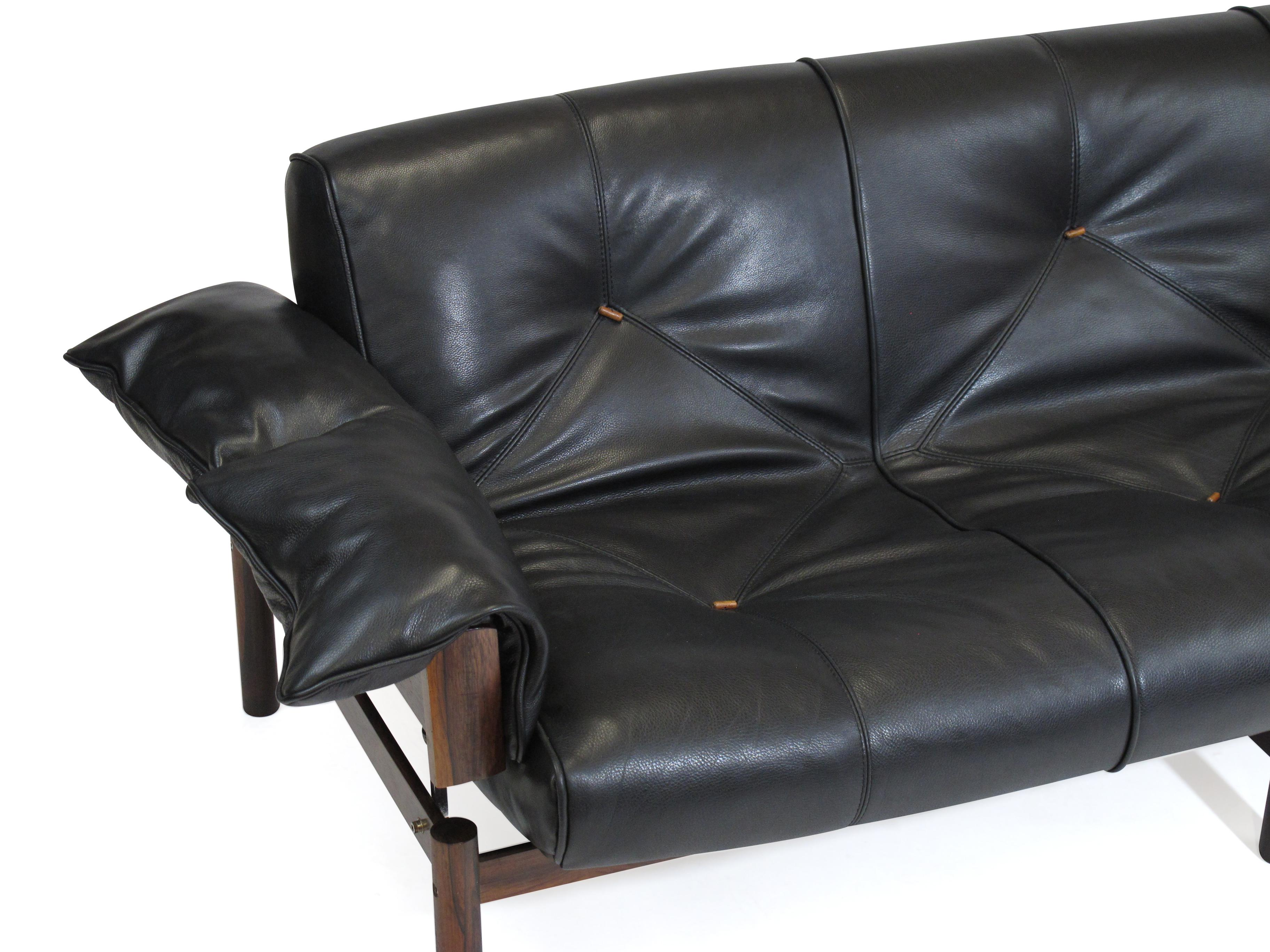 Attirant Percival Lafer Brazilian Modernist Rosewood Sofa And Chair In Black Leather