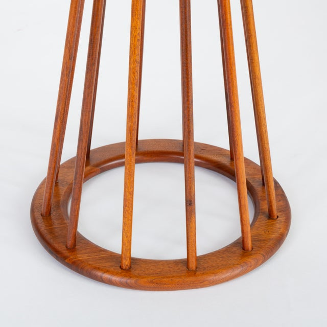 1950s Walnut Round Side Table by Arthur Umanoff for Washington Woodcraft For Sale - Image 9 of 10