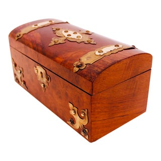 English Burl Walnut Tea Caddy With Decorative Brass Mounts For Sale