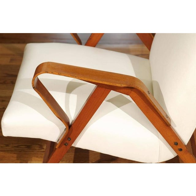 Wood Gorgeous Pair of Restored Vintage Loungers in Maple and Mahogany For Sale - Image 7 of 9