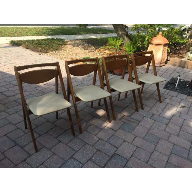 Mid -Century Modern Stakmore Folding Bentwood Table & Chairs- Set of 5 For Sale In Miami - Image 6 of 13