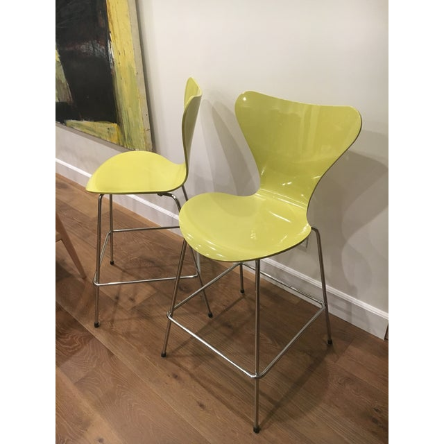 These is a pair of vintage Arne Jacobson for Fritz Hansen chairs. Purchased them about 10 years ago, but as still in super...