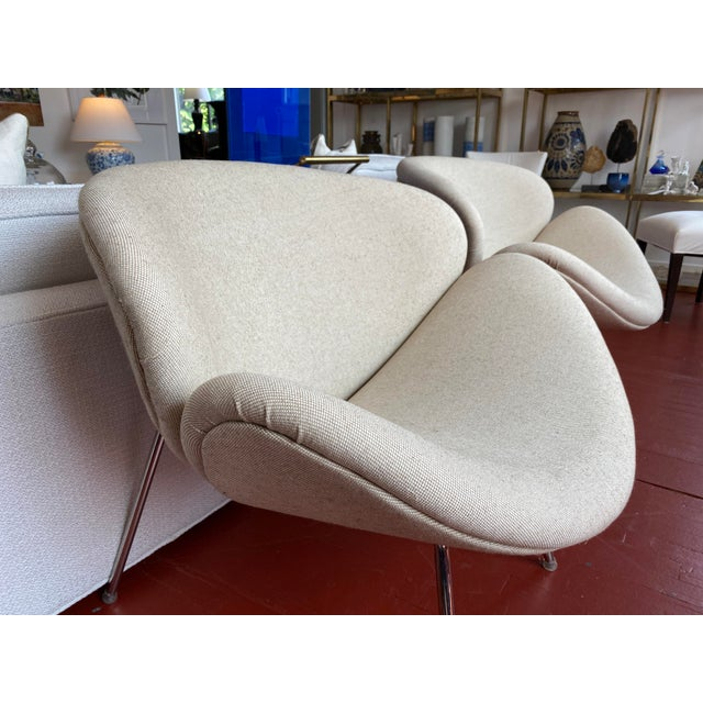 Metal Pair of Vintage Tulips Chairs With Newly Upholstered For Sale - Image 7 of 13