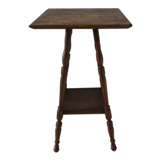 1900s Americana Oak Splayed - Beehive - Spool Leg Accent Table For Sale