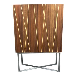 Modern Style Two Door Wood Storage Bar