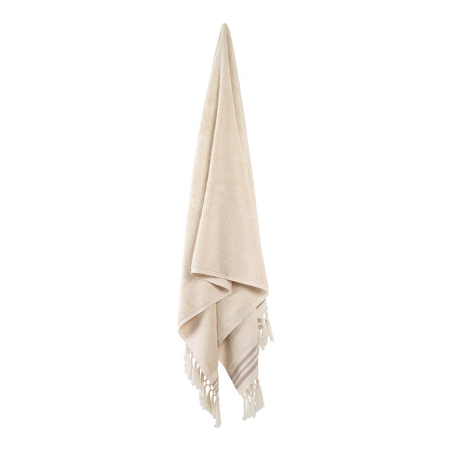 Plush & Bare Handmade Organic Cotton Bath Towel in Ecru with Stripes For Sale