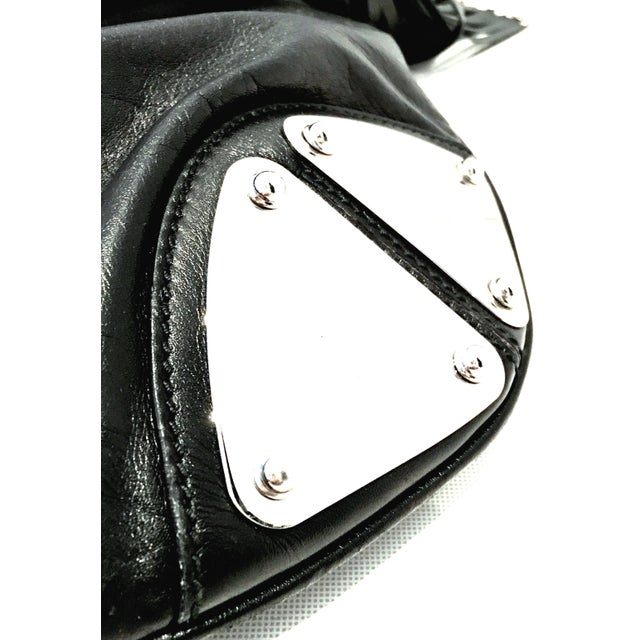 """21st Century Gucci Black Leather & Chrome """"Indy"""" Hobo Hand Bag For Sale In West Palm - Image 6 of 13"""