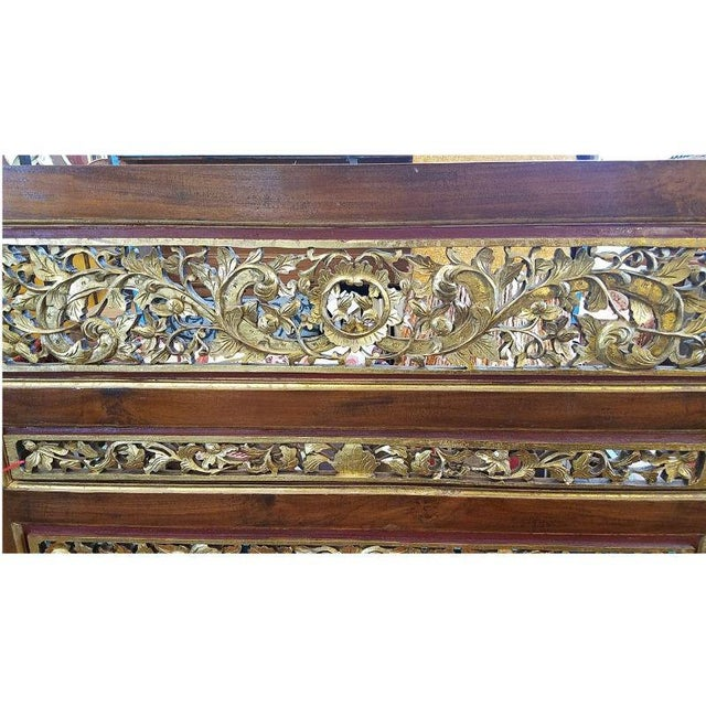 1920s 1920s Vintage Chinese Carved Giltwood Screen For Sale - Image 5 of 7