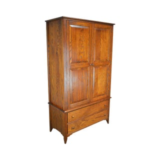 Custom Quality Large Solid Oak Traditional 2 Door Bedroom Armoire Linen Press For Sale