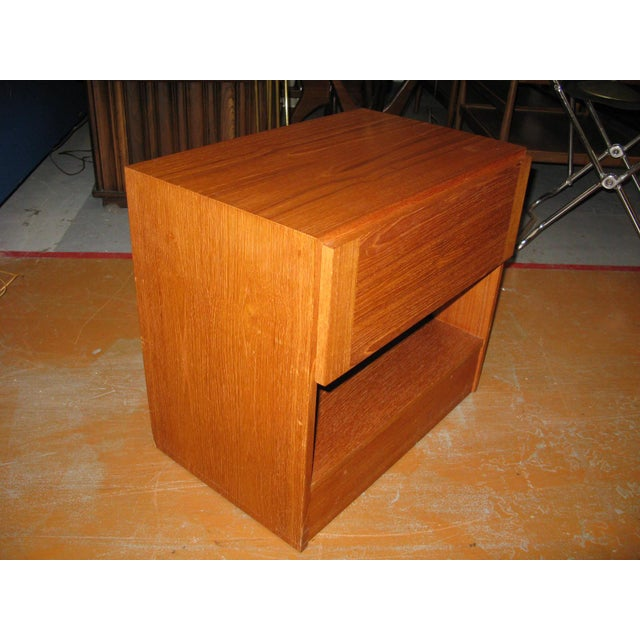 Mid-Century Danish Modern Teak Vinde Mobelfabrik 1-Drawer Nightstand For Sale - Image 5 of 10