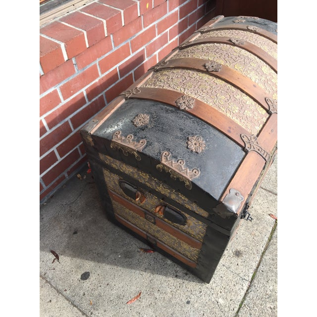 Antique Dome Top Trunk with amazing interior For Sale - Image 5 of 11