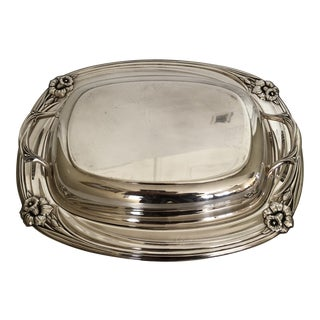 1960s Rogers Brothers Daffodil Silver-Plate Covered Serving Dish For Sale