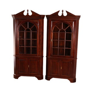 Stickley Chippendale Style Large Pair Mahogany Corner Cabinets For Sale