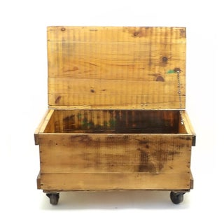 Rustic Country Farmhouse Tool Crate Coffee Table Preview