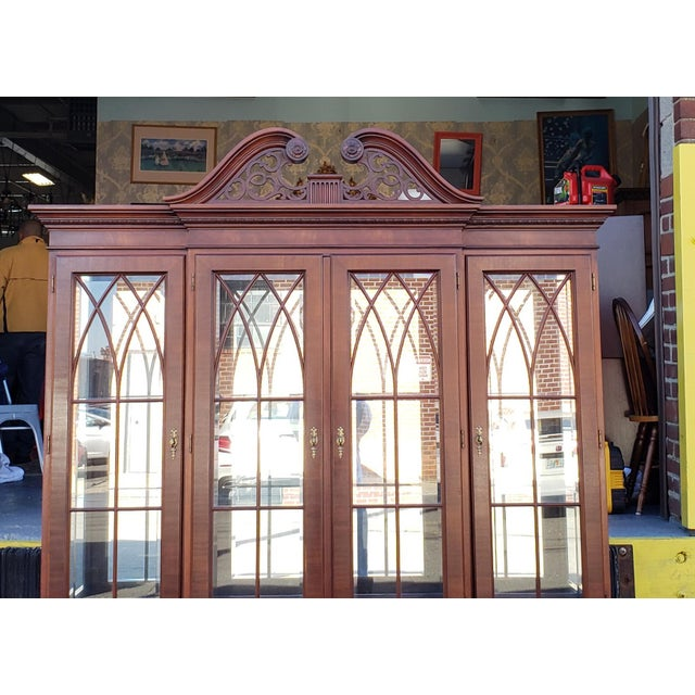 Ethan Allen Mahogany 18th Century Classics Collection Dining Room Breakfront China Cabinet 22 6549 1990s