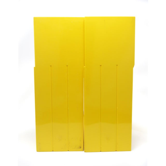 1970s Pair of Yellow Record or Magazine Racks by Giotto Stoppino for Heller For Sale - Image 5 of 7