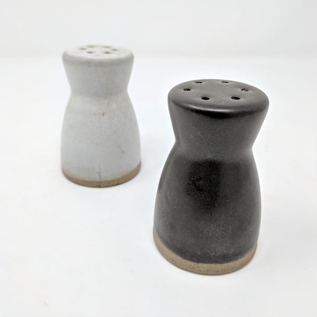 Set of mid-century salt and pepper shakers by Gordon & Jane Martz for Marshall Studios. Designed by Midwestern ceramics...