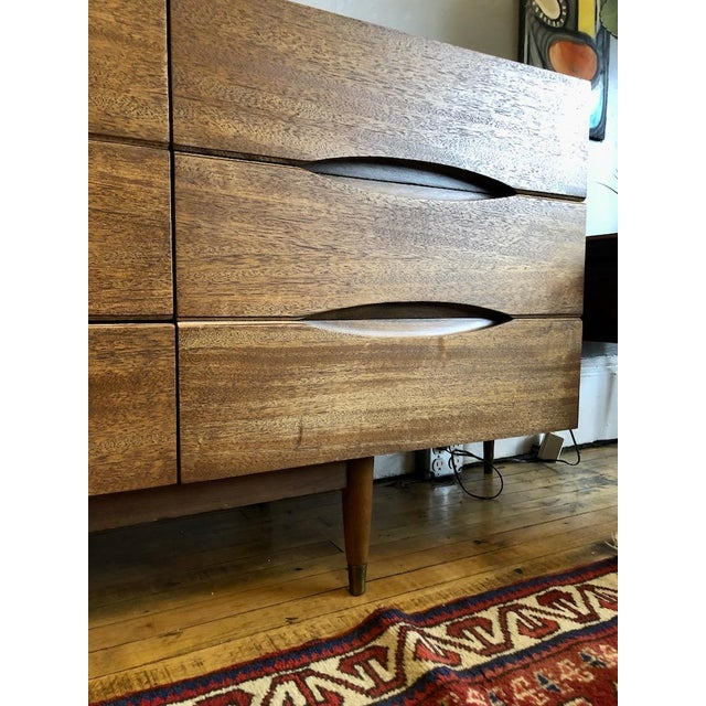 Mid Century American of Matinsville 9 Drawer Dresser/Lowboy For Sale In Boston - Image 6 of 9