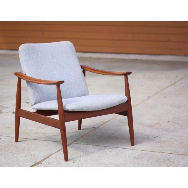 1950s 1950s Mid-Century Modern Finn Juhl Model Fd 138 Lounge Chair For Sale - Image 5 of 12