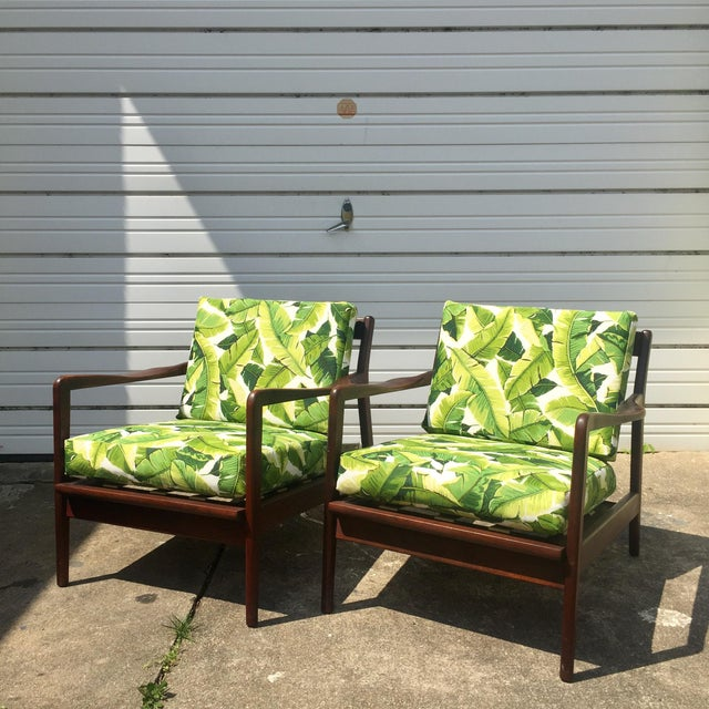Pair of Mid-Century Banana Leaf Lounge Chairs For Sale In Richmond - Image 6 of 6