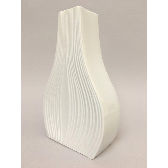 Contemporary White Modernist Bisque Porcelain Naaman Onion Vase For Sale - Image 3 of 11
