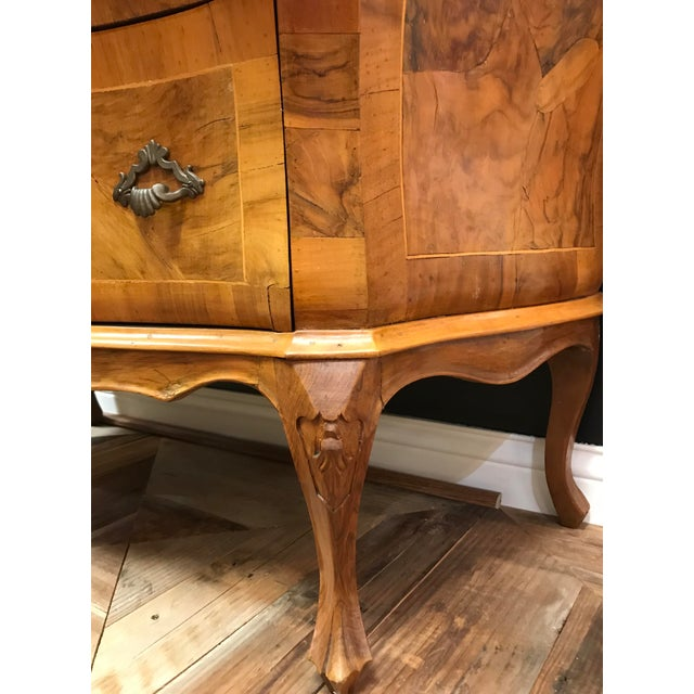 Rococo Olivewood Veneer Verona Italian Rococo Revival Bombe Commode 3 Drawer Chest For Sale - Image 3 of 13